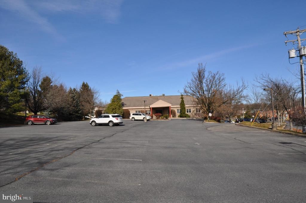 21 Corporate Drive 1, Easton, PA 18045